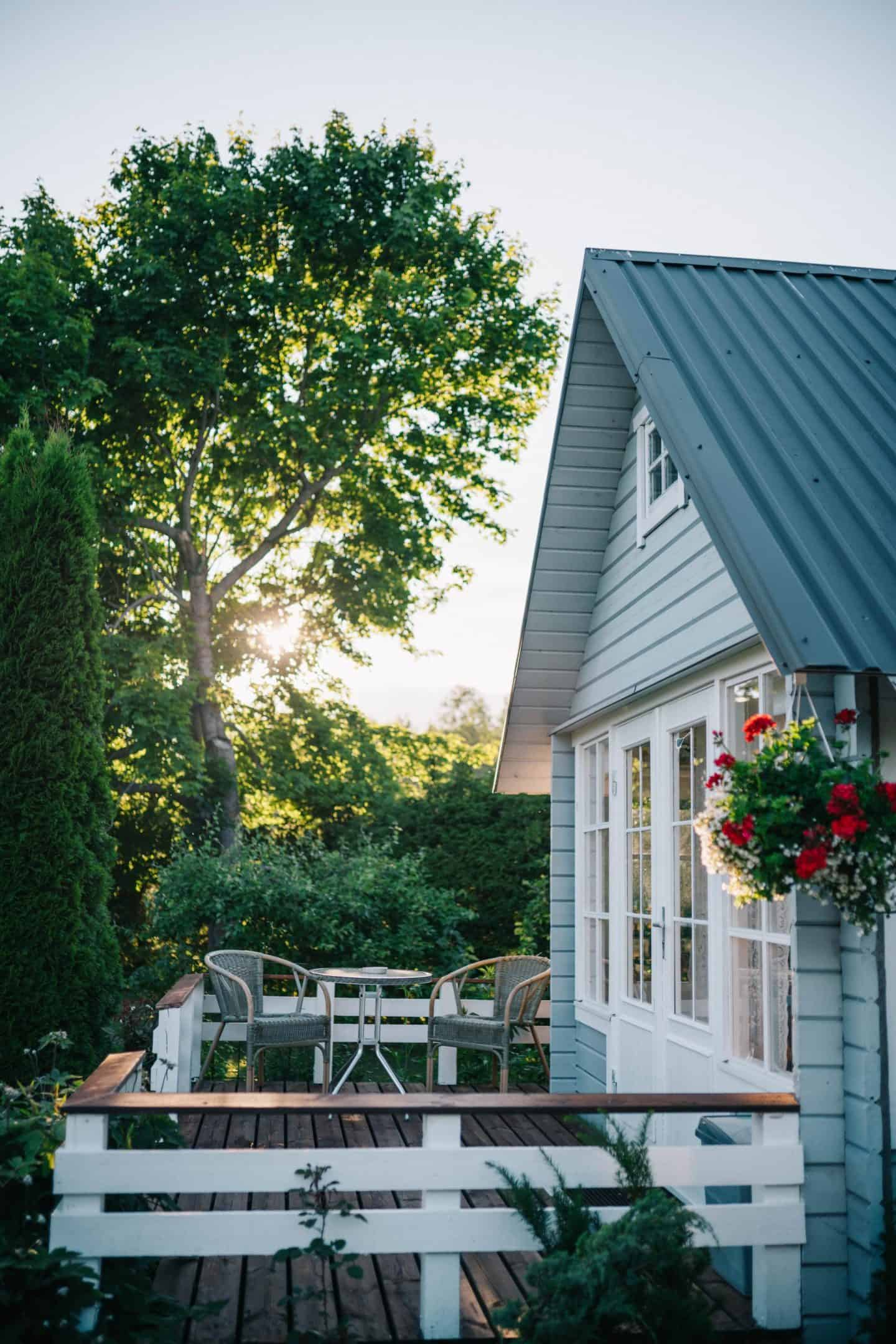 5 reasons to buy a house rather than a flat